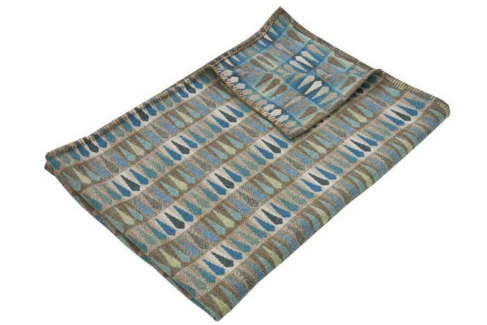 Cosy Blanket in dazzling cerulean blue, turquoise and tan
