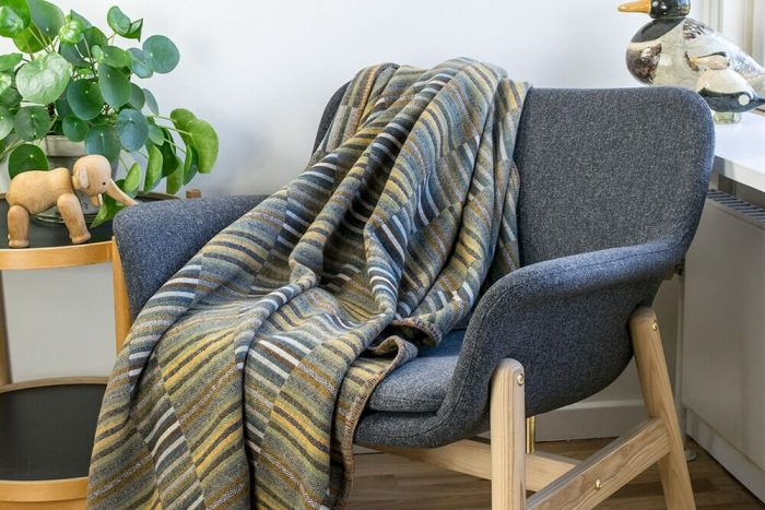 Wool_Blanket_Soft_Geens_Golden_Ochre_Chair