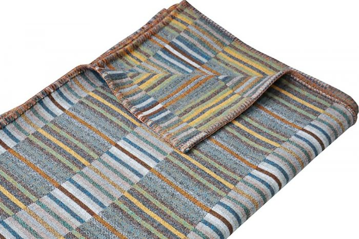 Wool_Blanket_Soft_Geens_Golden_Ochre_Close